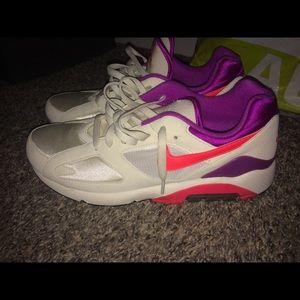 Nike air180